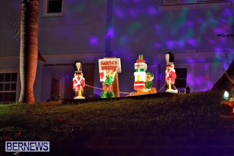 Sayle-Road-Christmas-Decorations-Lights-Bermuda-December-22-2017-7369