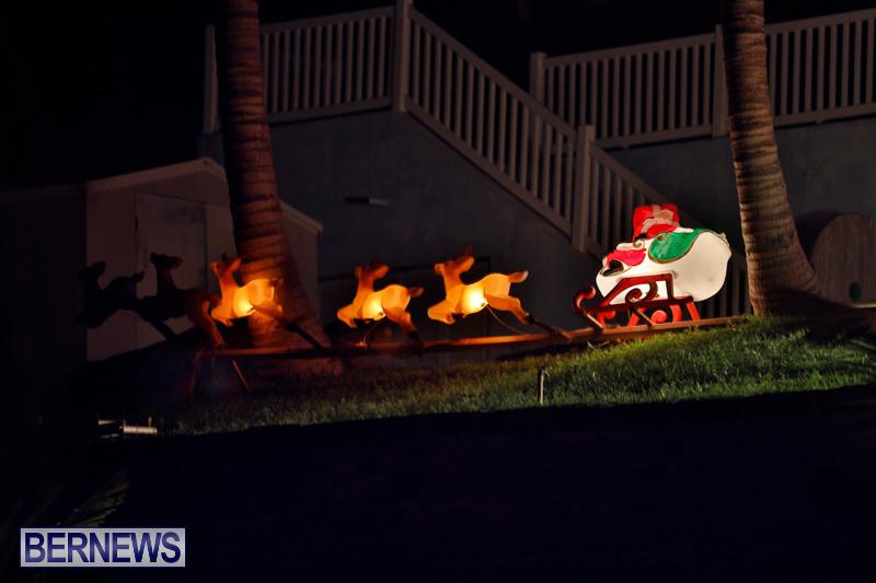 Sayle-Road-Christmas-Decorations-Lights-Bermuda-December-22-2017-7377