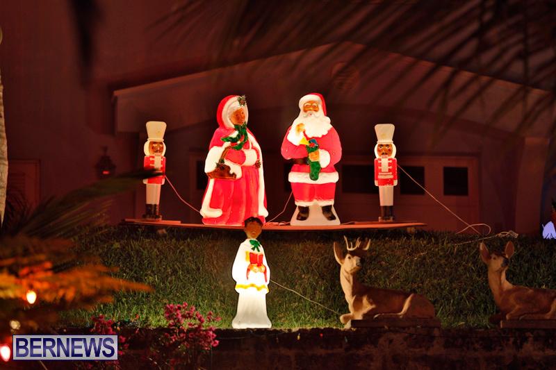 Sayle-Road-Christmas-Decorations-Lights-Bermuda-December-22-2017-7397