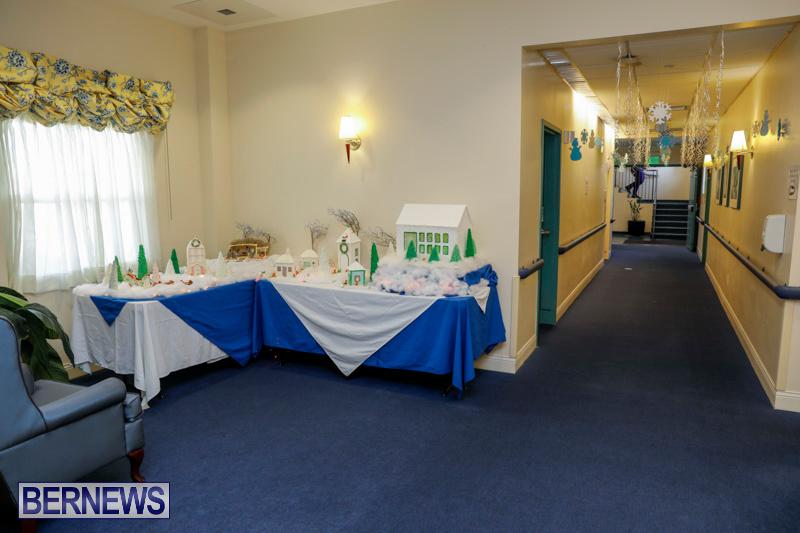 Sylvia-Richardson-Care-Facility-Christmas-Chef-Decorations-Bermuda-December-20-2017-6473