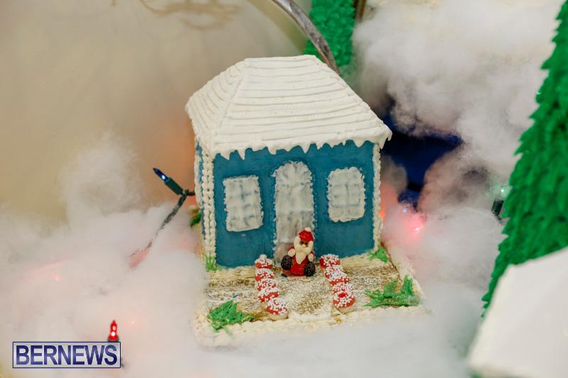 Sylvia-Richardson-Care-Facility-Christmas-Chef-Decorations-Bermuda-December-20-2017-6495