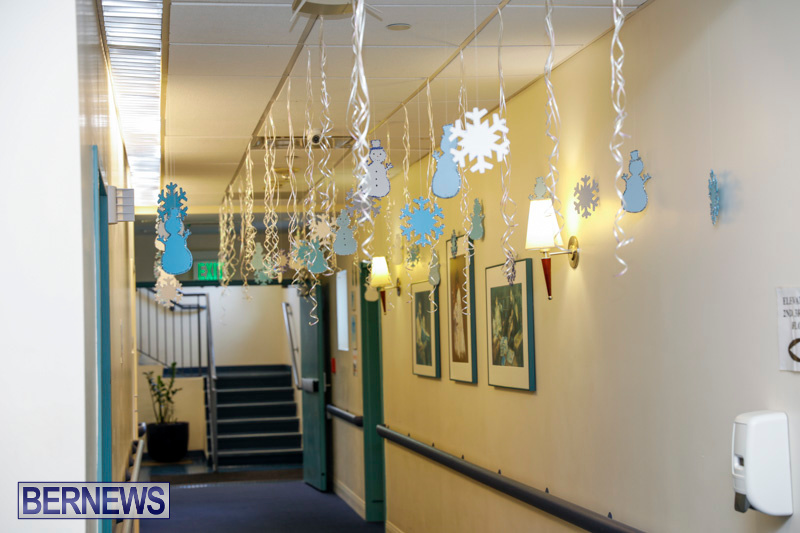Sylvia-Richardson-Care-Facility-Christmas-Decorations-Bermuda-December-20-2017-6472