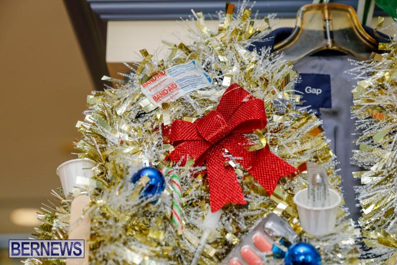 Sylvia-Richardson-Care-Facility-Christmas-Decorations-Bermuda-December-20-2017-6535