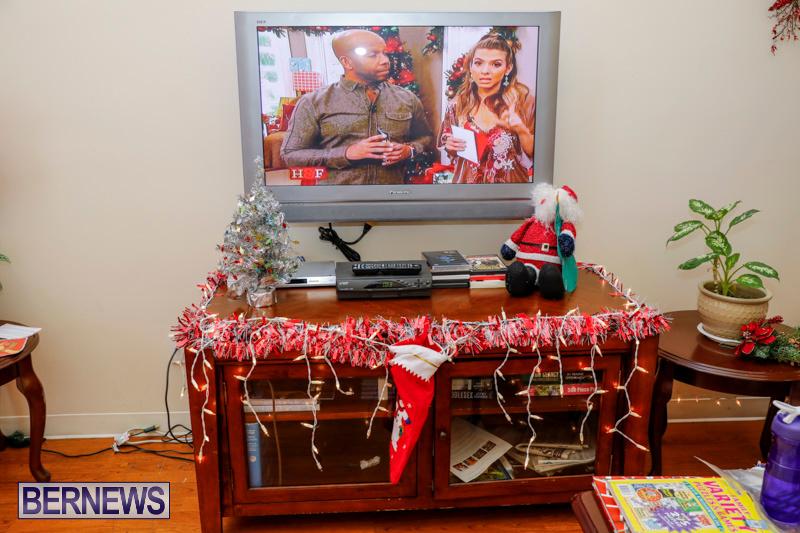 Sylvia-Richardson-Care-Facility-Christmas-Decorations-Bermuda-December-20-2017-6557