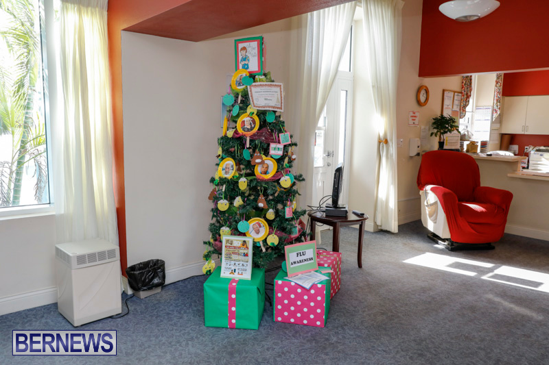 Sylvia-Richardson-Care-Facility-Christmas-Decorations-Bermuda-December-20-2017-6599