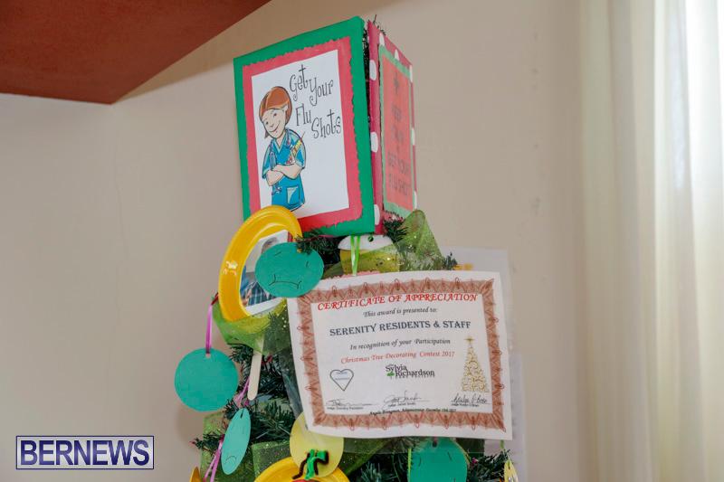 Sylvia-Richardson-Care-Facility-Christmas-Decorations-Bermuda-December-20-2017-6604