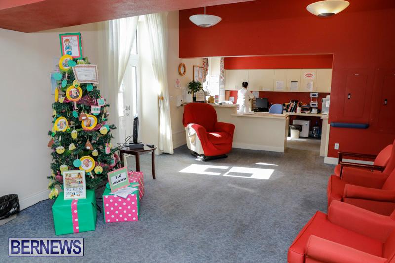 Sylvia-Richardson-Care-Facility-Christmas-Decorations-Bermuda-December-20-2017-6609