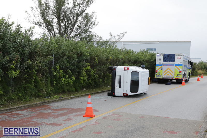 Overturned van Bermuda Jan 12 2018 (3)