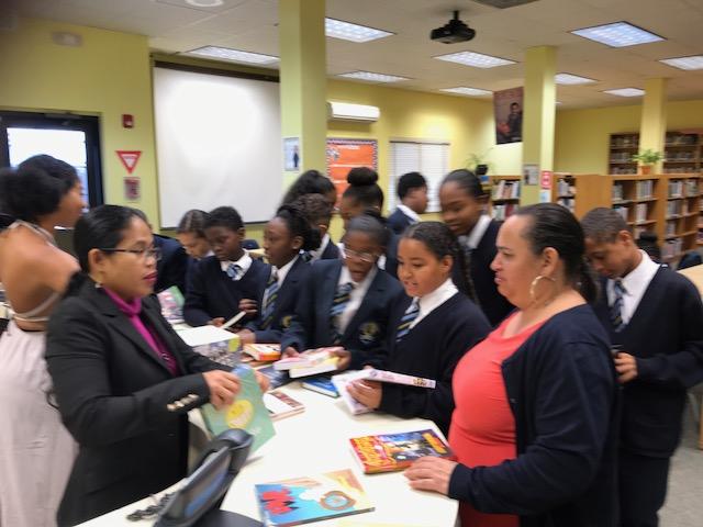 Hamilton Princess donates books to Clearwater Middle School Bermuda Feb 28 2018 (4)