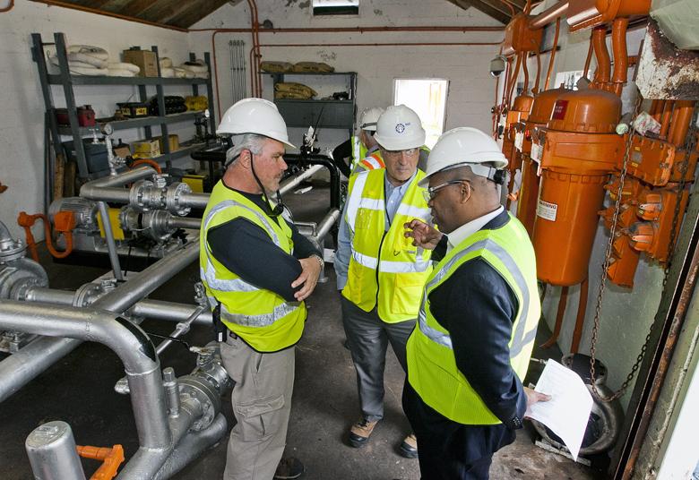 Minister Walter Roban Tours Fuel Plant Bermuda Feb 7 2018 (2)