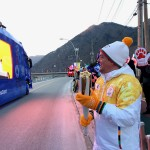 Patrick Singleton Carrying Olympic Torch Bermuda Feb 7 2018 (2)