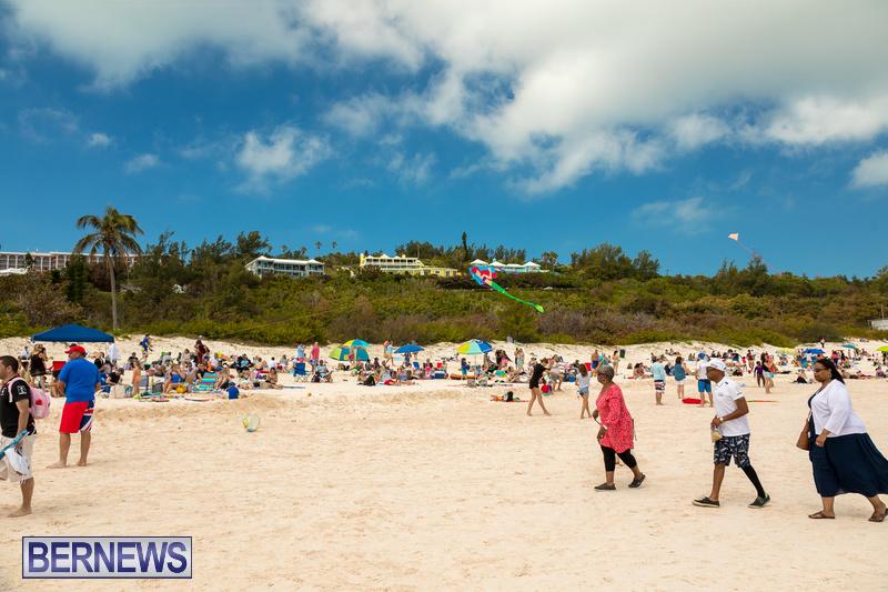 Horseshoe-Beach-Good-Friday-Bermuda-March-30-2018-17
