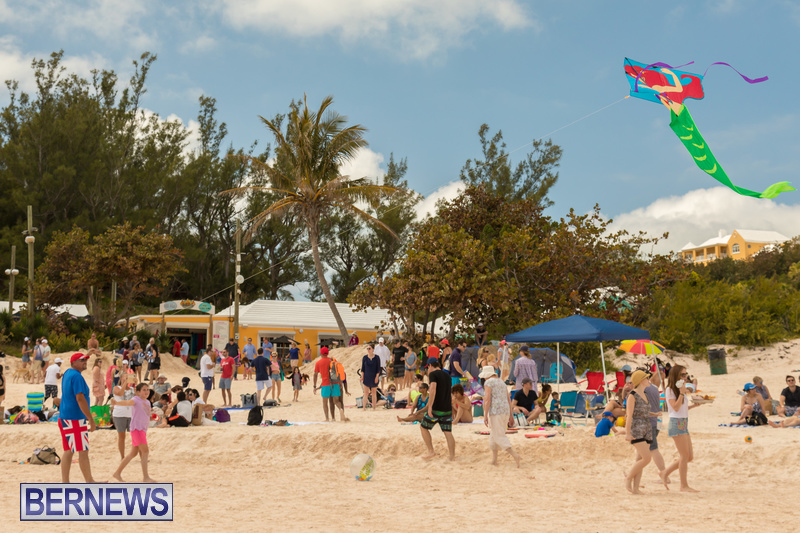Horseshoe-Beach-Good-Friday-Bermuda-March-30-2018-20