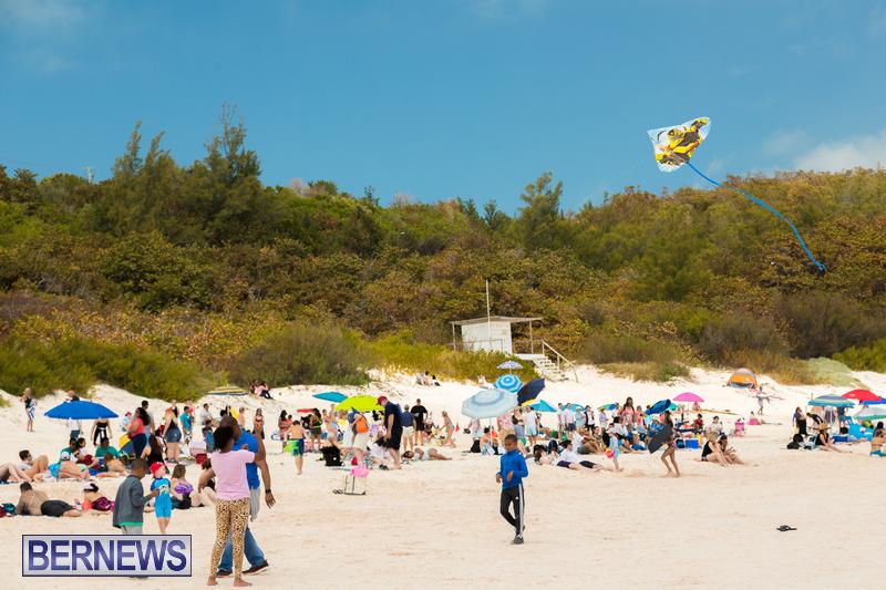 Horseshoe-Beach-Good-Friday-Bermuda-March-30-2018-22