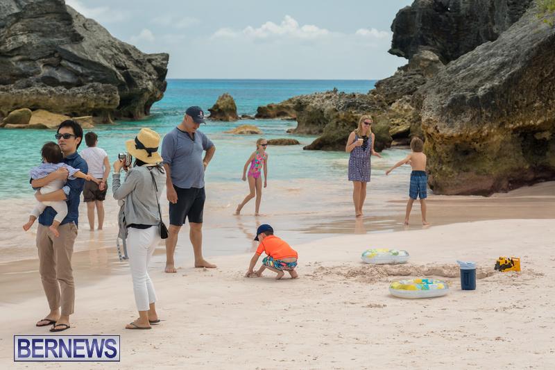 Horseshoe-Beach-Good-Friday-Bermuda-March-30-2018-23