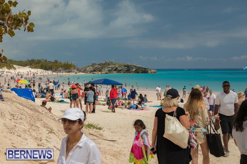 Horseshoe-Beach-Good-Friday-Bermuda-March-30-2018-32