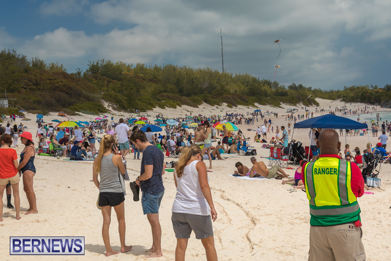 Horseshoe-Beach-Good-Friday-Bermuda-March-30-2018-4