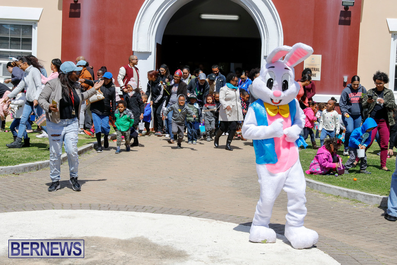 Premier's-Annual-Children's-Easter-Egg-Hunt-Bermuda-March-24-2018-5327