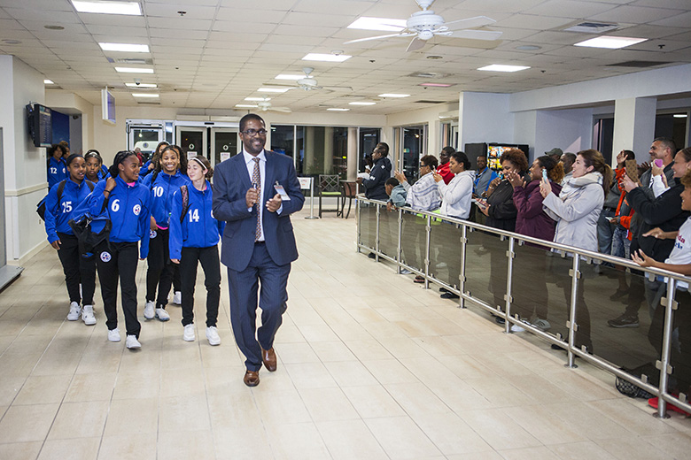 Minister Weeks Greets U17 Football Team Bermuda April 2018 (3)