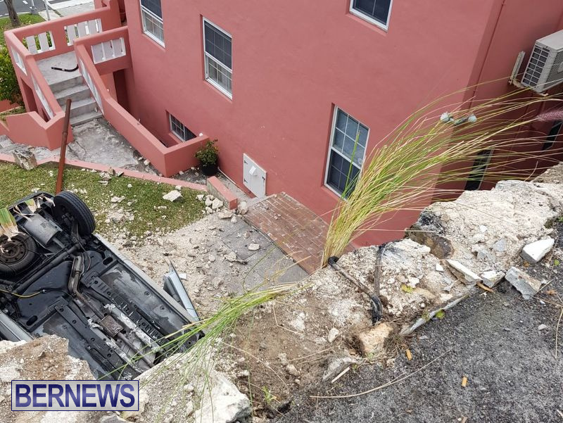 Overturned Car Smashed Wall Bermuda, April  11 2018 (1)