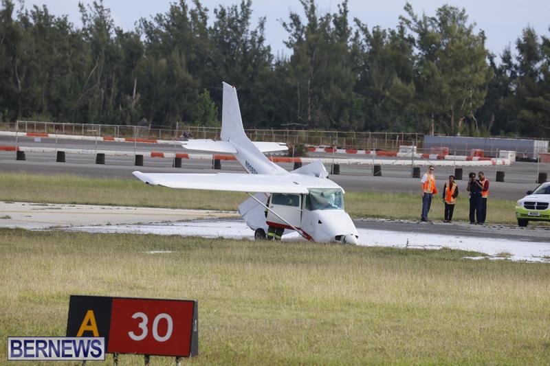 Scene-At-Airport-Bermuda-April-30-2018-1