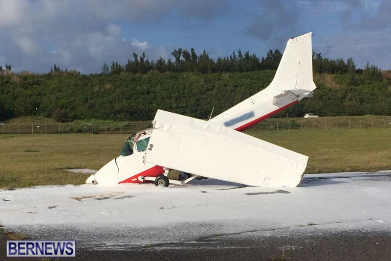 Scene-At-Airport-Bermuda-April-30-2018-12