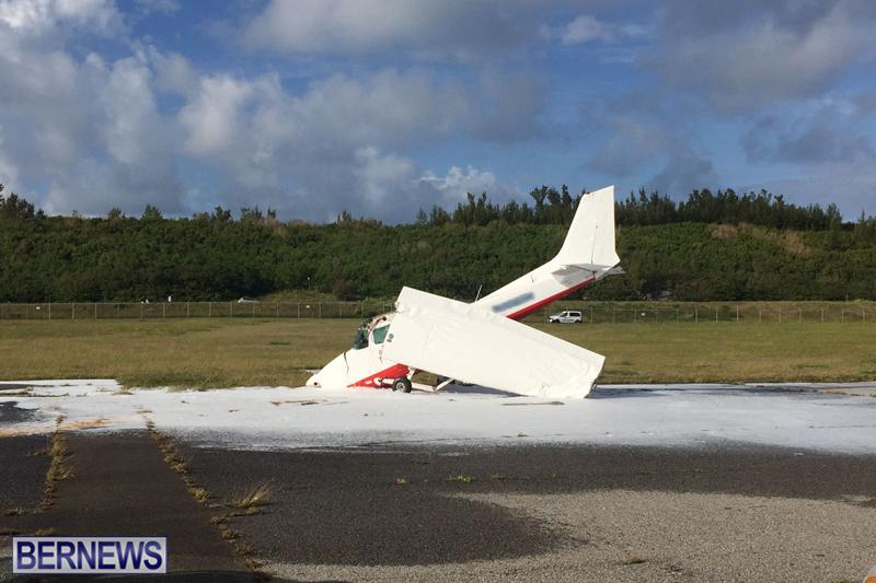 Scene-At-Airport-Bermuda-April-30-2018-13