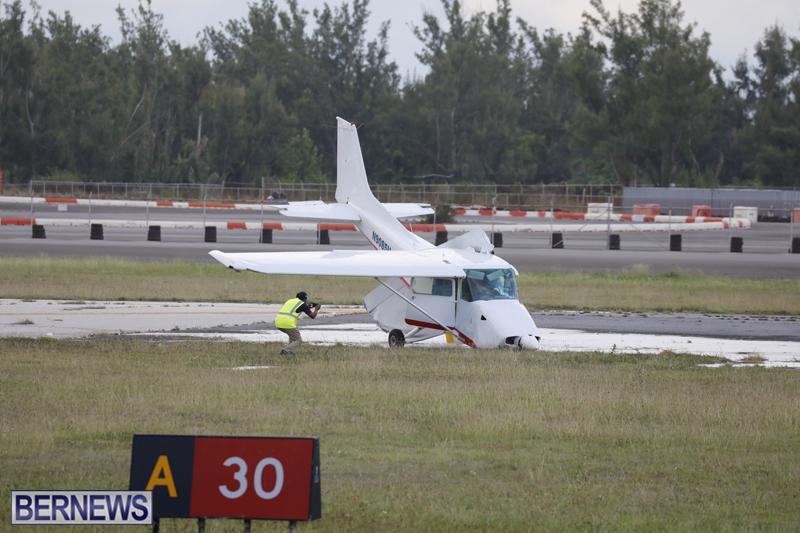 Scene-At-Airport-Bermuda-April-30-2018-15