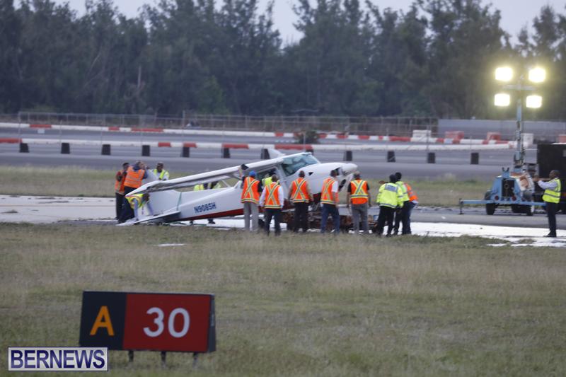 Scene-At-Airport-Bermuda-April-30-2018-16
