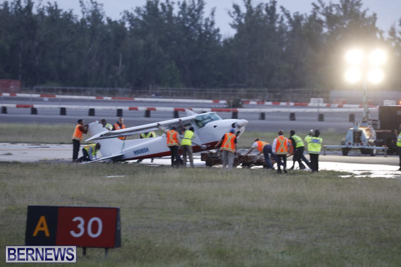 Scene-At-Airport-Bermuda-April-30-2018-17