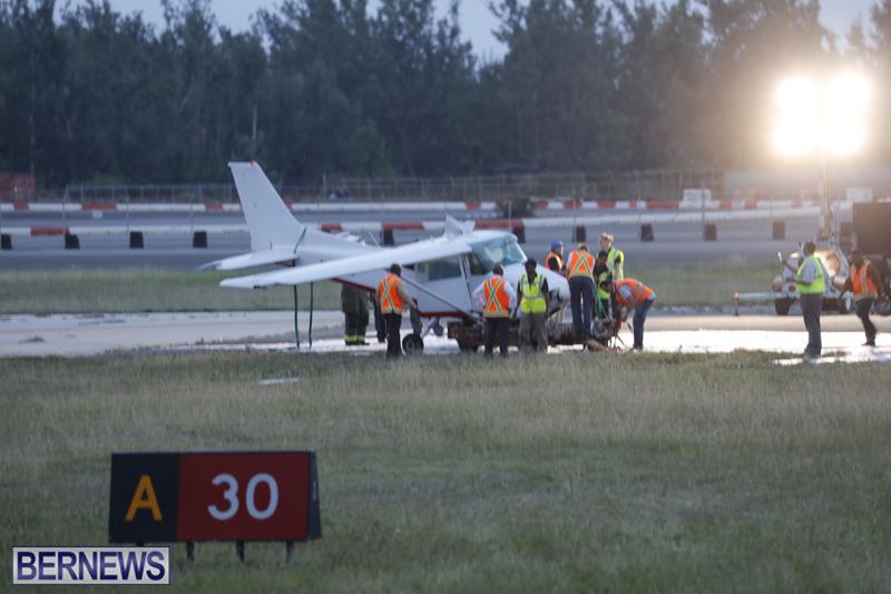 Scene-At-Airport-Bermuda-April-30-2018-18