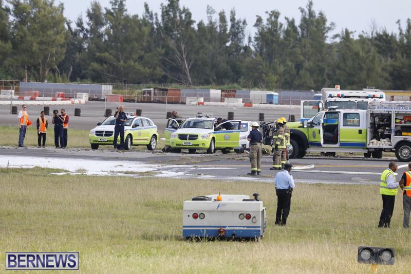 Scene-At-Airport-Bermuda-April-30-2018-2