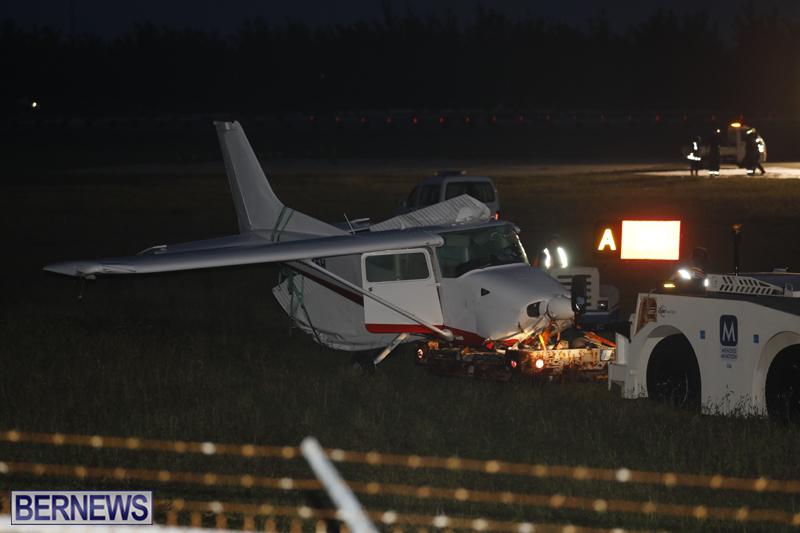 Scene-At-Airport-Bermuda-April-30-2018-23