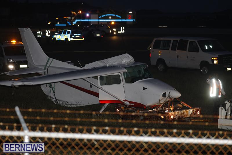 Scene-At-Airport-Bermuda-April-30-2018-29