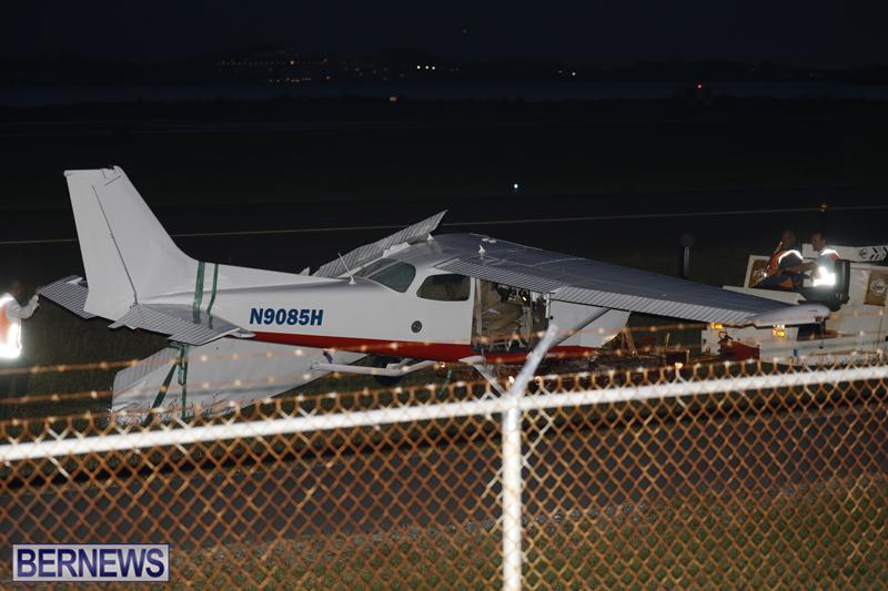 Scene-At-Airport-Bermuda-April-30-2018-33