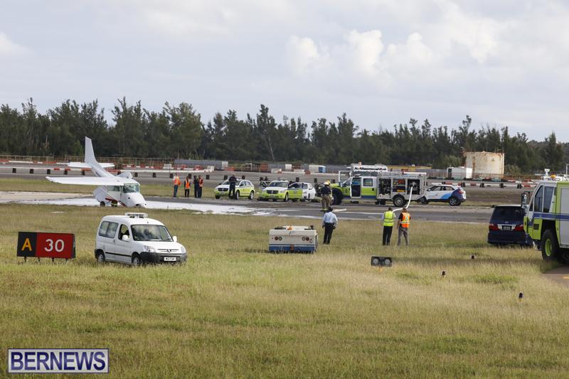 Scene-At-Airport-Bermuda-April-30-2018-4