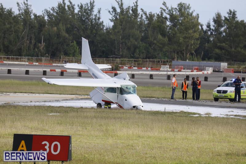 Scene-At-Airport-Bermuda-April-30-2018-5
