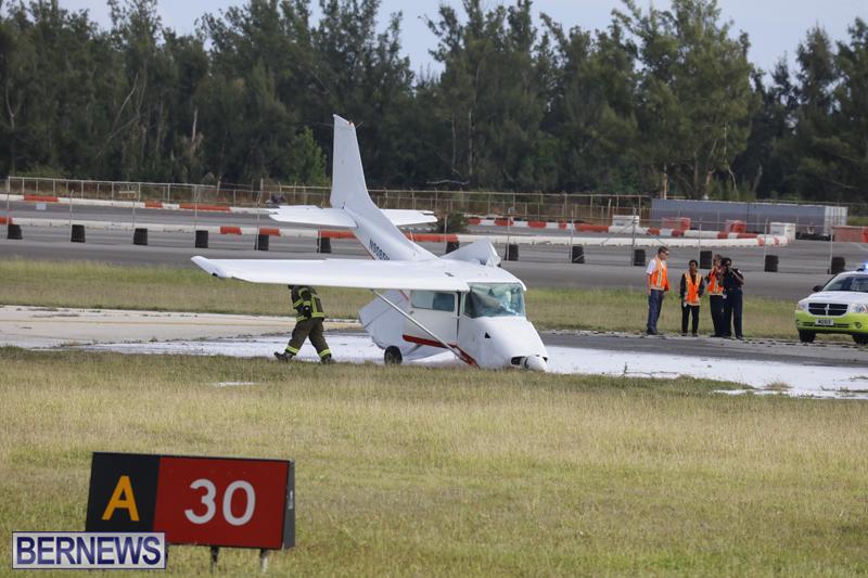 Scene-At-Airport-Bermuda-April-30-2018-6