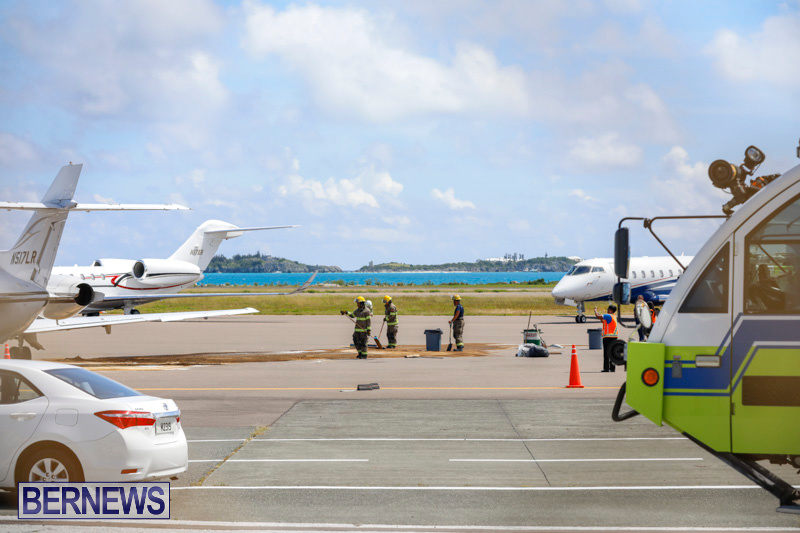 Fuel Spill Plane Bermuda, May 28 2018-7616