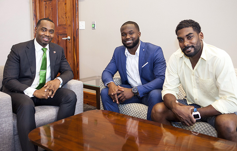 Premier Meets with Sport Tourism Ambassador Bermuda May 2018 (2)