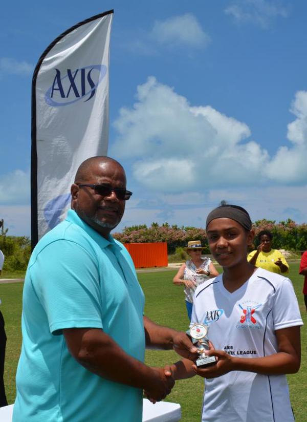 Axis Girls Middle School Cricket Bermuda June 2018 (4)