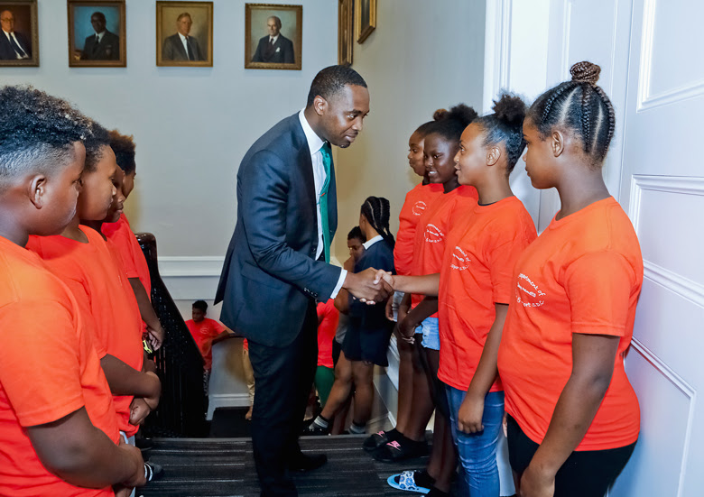 Premier Welcomes Usain Bolt To Cabinet Office Bermuda June 26 2018 (2)