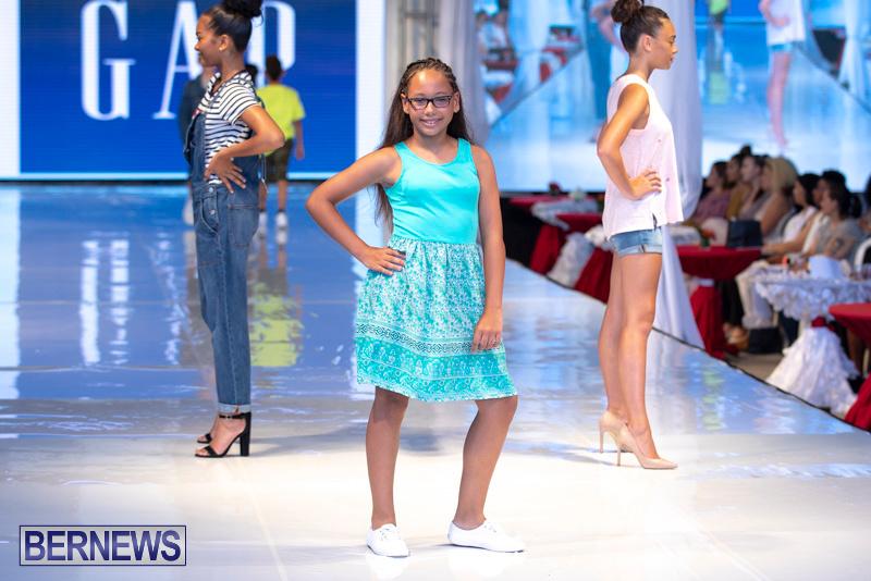 Bermuda-Fashion-Festival-Evolution-Retail-Show-July-8-2018-5300