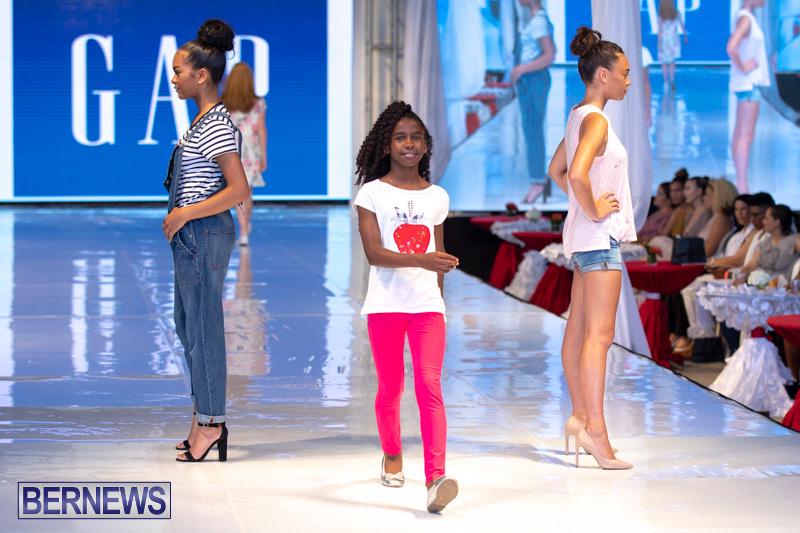 Bermuda-Fashion-Festival-Evolution-Retail-Show-July-8-2018-5344