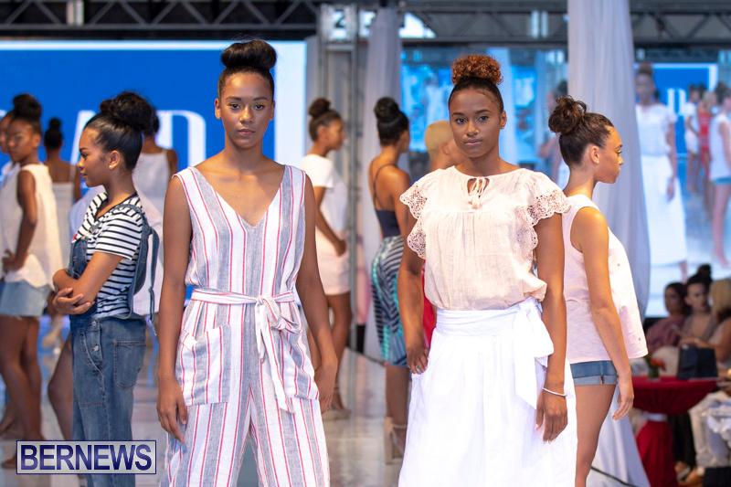 Bermuda-Fashion-Festival-Evolution-Retail-Show-July-8-2018-5544