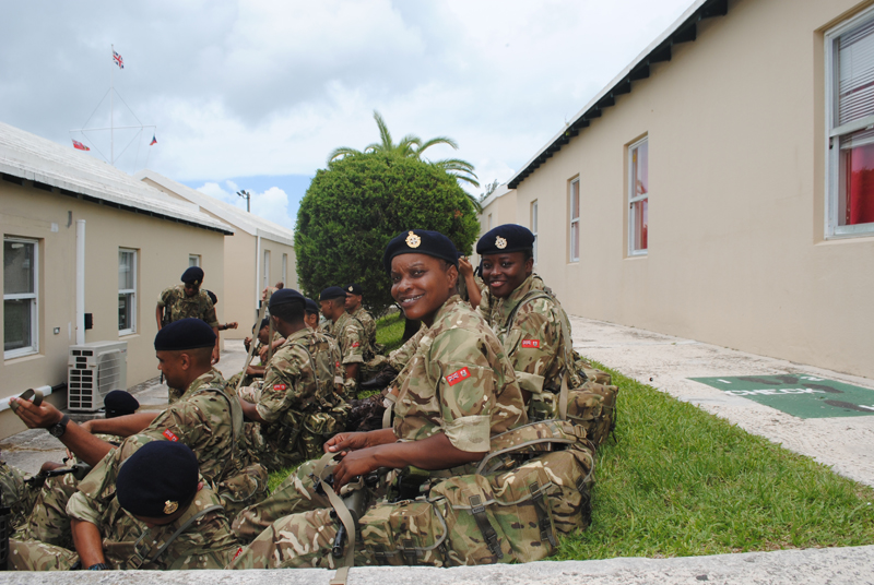 Governor Visits New Soldiers Bermuda July 4 2018 (5)