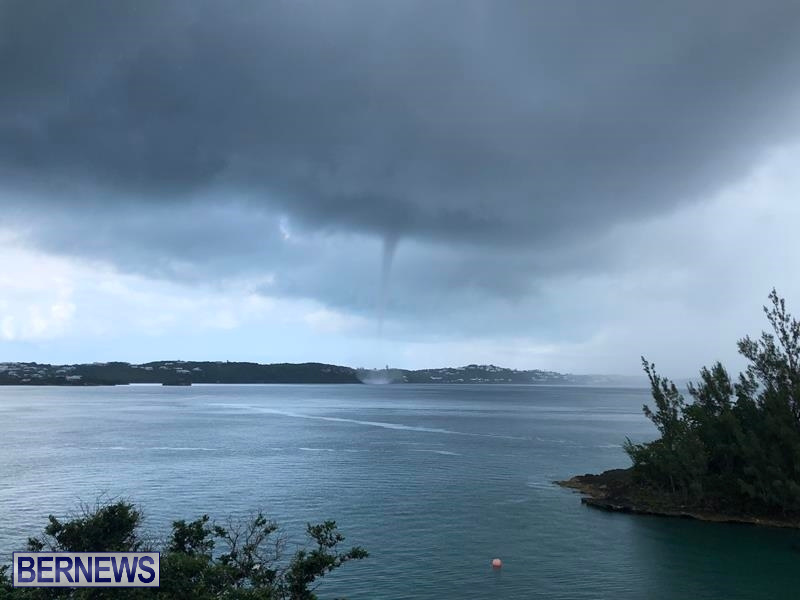 Waterspout over Harrington Sound (11)