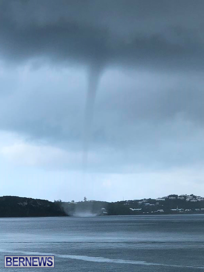 Waterspout over Harrington Sound (12)
