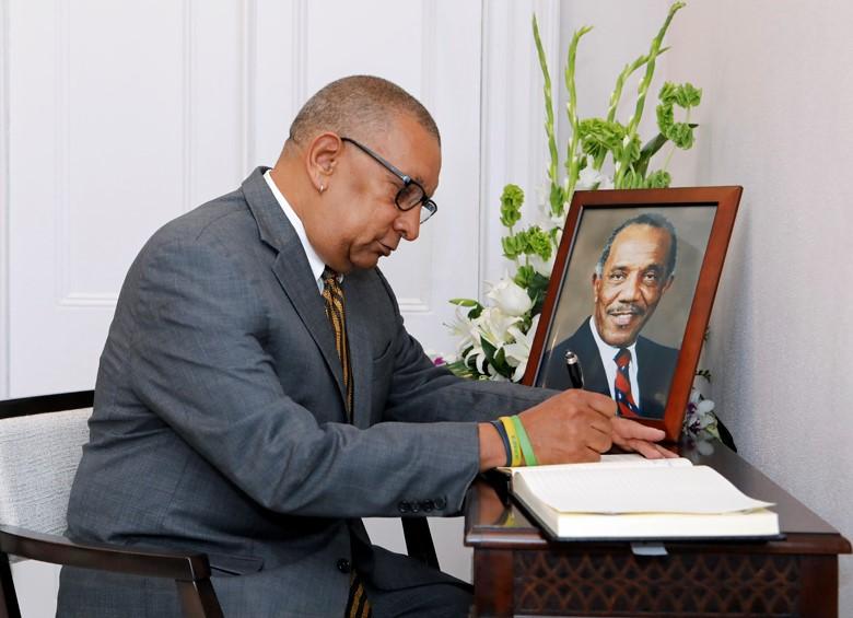 Minister Burch Condolence Book Bermuda August 30 2018