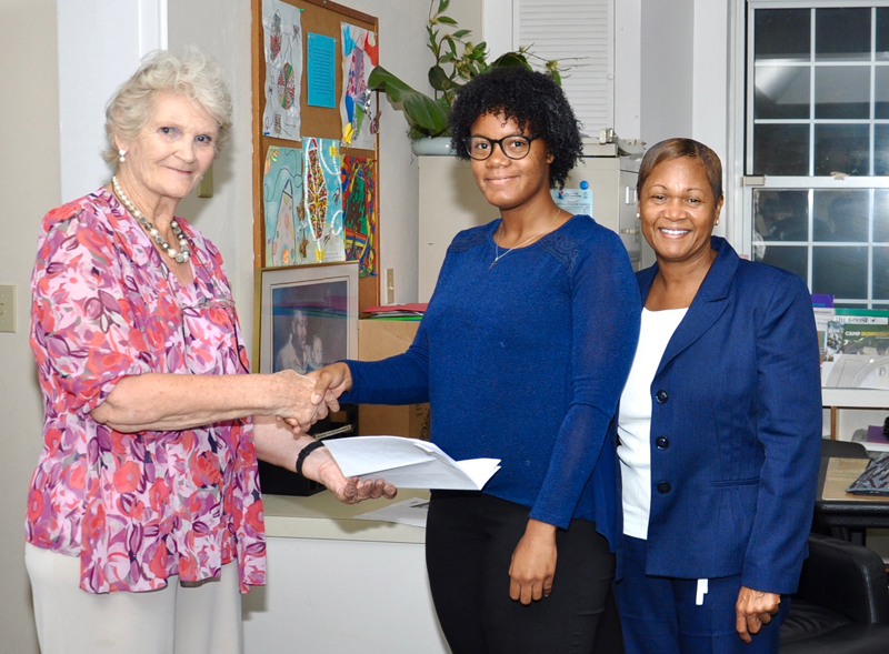 Nursing Student Textbook Awards Bermuda Sept 2018